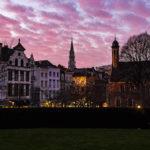 Sonnenuntergang über der Altstadt von Brüssel