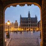Der beleuchtete Grand-Place mit dem Maison du Roi