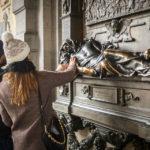 Die Grabplatte von Everard 't Serclaes auf dem Grand-Place von Brüssel