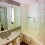 Badezimmer im Hotel Novotel Brussels City Centre