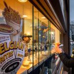 Einer von zahlreichen Pommes-frites-Ständen in Brüssel