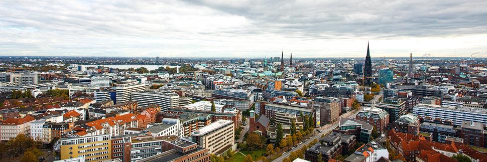 Panorama von Hamburg vom Michel aus gesehen