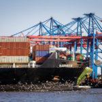 Der Hamburger Hafen während einer Hafenrundfahrt