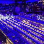 Der beleuchtete Hauptbahnhof Rom im Italien-Abschnitt in der Modelleisenbahn Miniatur Wunderland