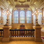 Prunkvolles Treppenhaus im Hamburger Rathaus