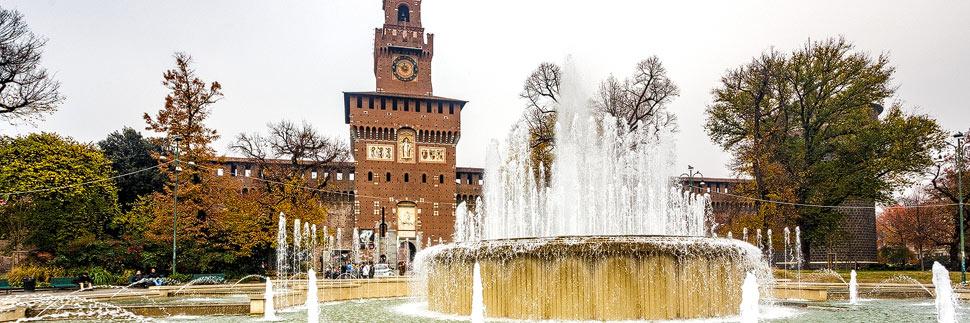 Springbrunnen vor dem Mailänder Schloss (Castello Sforzesco)