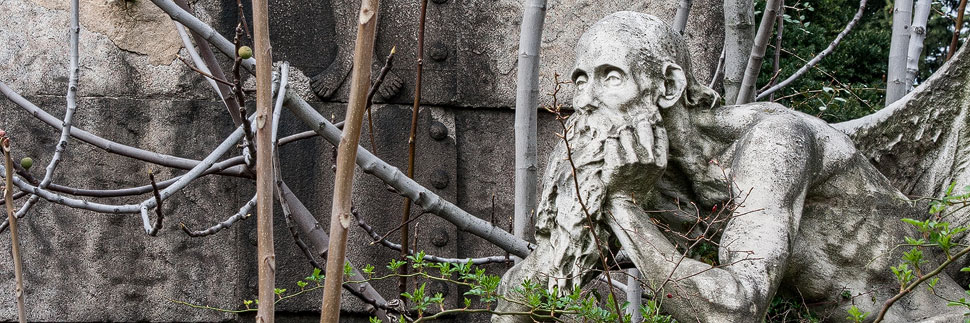 Statue im Cimitero Monumentale in Mailand