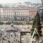 Blick vom Dach des Mailänder Doms auf den Piazza del Duomo