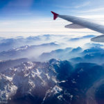 Blick auf die Alpen während des Flugs nach Mailand