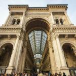 Ein Triumphbogen stellt den Eingang zur Galleria Vittorio Emanuele II dar