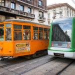 Alte und neue Straßenbahnen in Mailand