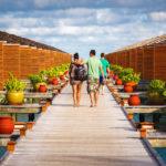 Zugang zu den Jacuzzi Wasservillen auf der Insel Meeru (Malediven)