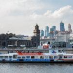 Der Kiewer Bahnhof, gesehen während einer Bootsfahrt auf der Moskwa