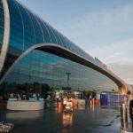 Das Terminalgebäude des Flughafens Moskau-Domodedowo