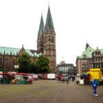 Der Bremer Dom St. Petri vom Domshof aus gesehen