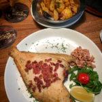 Speckscholle mit Nordseekrabben im Restaurant Kleiner Olymp