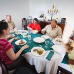 Der Tagesausflug von Nature Trails beinhaltet auch ein Essen bei einer einheimischen Familie