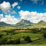 Blick auf die Landschaft von Mauritius mit dem zweithöchsten Berg, Pieter Both
