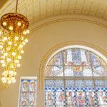 Glasmosaikfenster im Jugendstil von Koloman Moser in der Kirche am Steinhof