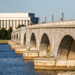 Das Lincoln Memorial hinter der Arlington Memorial Bridge