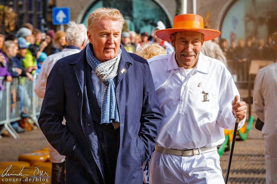 Käsemarkt Alkmaar: Käsevater und Komiker André van Duin