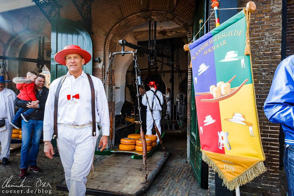 Käsemarkt Alkmaar: Vormann der Käseträgergilde