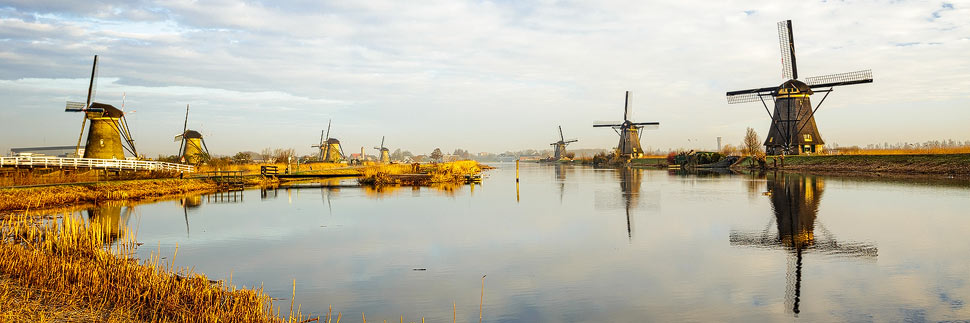 Die Windmühlen von Kinderdijk zum Sonnenaufgang