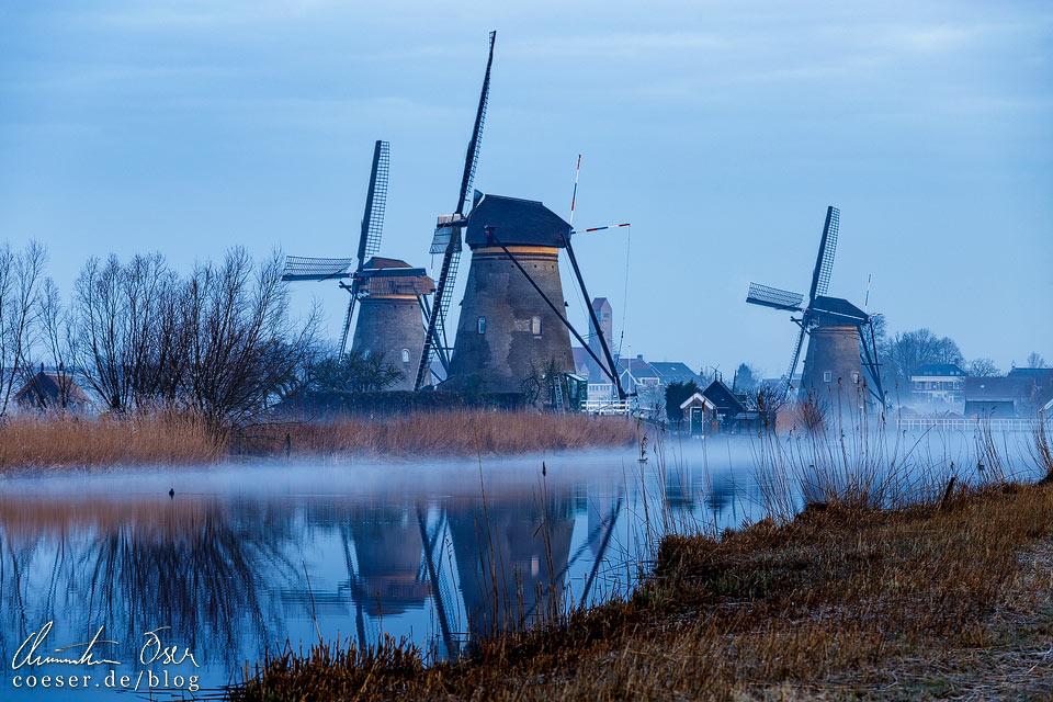 Windmühlen von Kinderdijk im Morgenlicht
