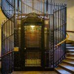 Aufzug und Stiegenhaus im Ankerhaus von Otto Wagner in Wien