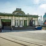 Auf der Rückseite des westlichen Otto-Wagner-Pavillons am Karlsplatz befindet sich ein Stationszugang