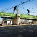 Drei große Brücken überspannen unmittelbar vor der Station Währinger Straße (U6) eben diese sowie die Fuchsthallergasse und die Schulgasse