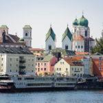 Altstadt von Passau, gesehen während einer Schiffsrundfahrt