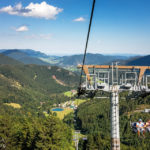 Fahrt mit dem Sessellift auf den Schneeberg in Losenheim
