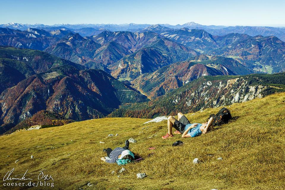 Ausblick vom Schneeberg auf die Bergwelt