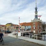 Der historische Glockenturm Accijnstoren in Alkmaar