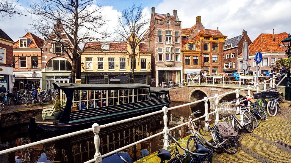 Häuser und Grachten in Alkmaar