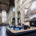 Innenansicht mit Getränkebar in der Laurenskerk von Alkmaar