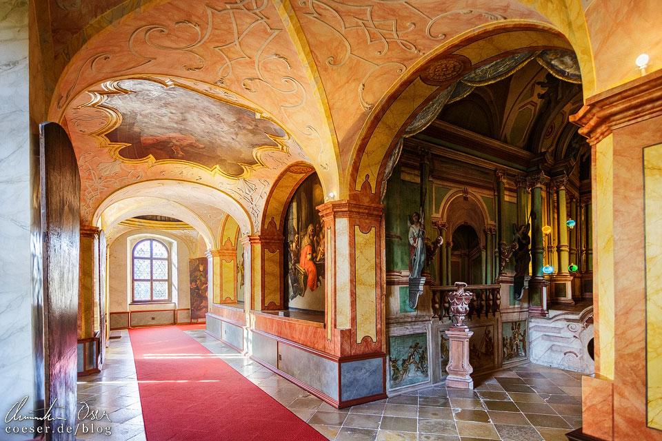 Barocker Kreuzgang im Stift Dürnstein in der Wachau