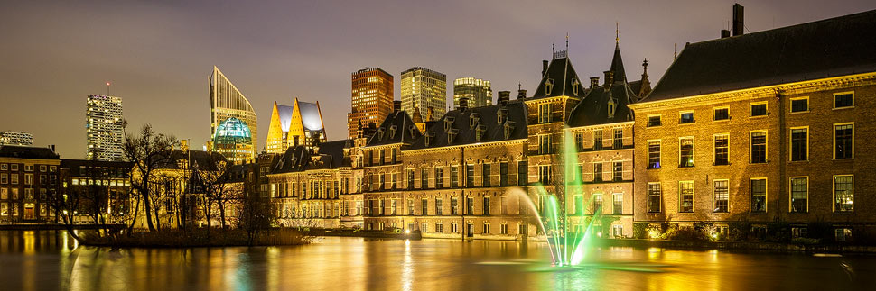 Hofvijver in Den Haag bei Nacht
