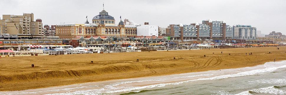 Kurhaus und Strand von Scheveningen in Den Haag