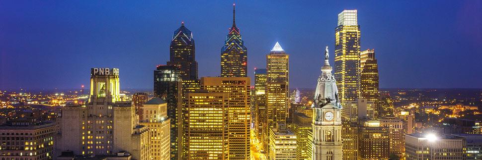 Beleuchtete Skyline von Philadelphia
