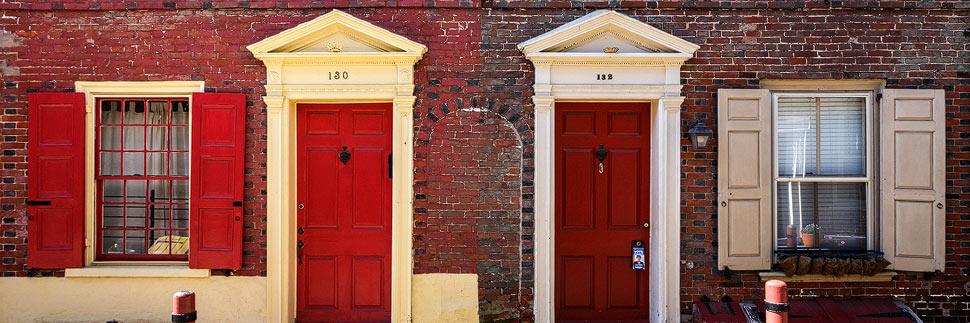 Häuser in der Straße Elfreth's Alley in Philadelphia