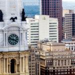 Ausblick von Loews Philadelphia Hotel auf den Rathausturm und Wokenkratzer
