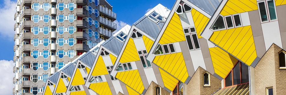 Kubushäuser und Blaakturm in Rotterdam
