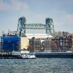 Blick auf die historische Koningshavenbrug (De Hef) in Rotterdam