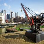Ein alter Kran im Leuvehaven, Teil des Maritiem Museum in Rotterdam