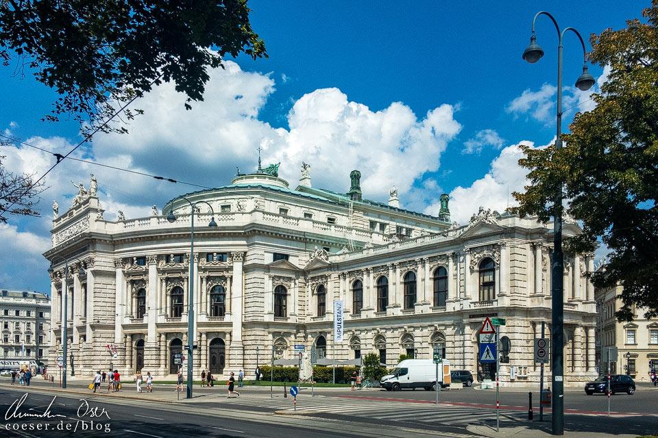 Außenansicht des Burgtheaters in Wien