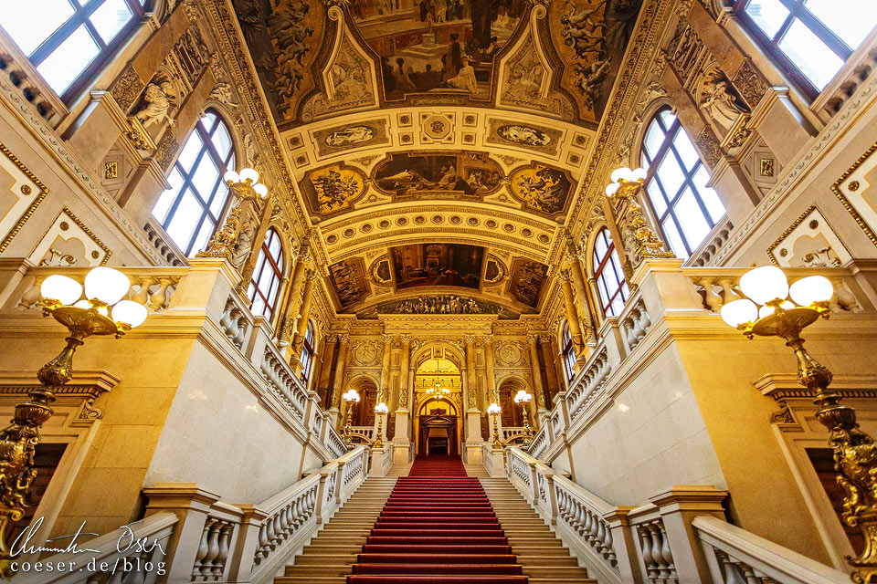 Feststiege im Burgtheater in Wien
