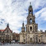 Außenansicht der Hofkirche in Dresden
