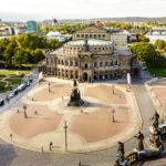 Ausblick vom Hausmannsturm im Residenzschloss auf die Dresdner Semperoper